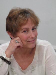 About Libby Fischer Hellmann