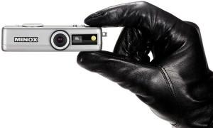 sg006-minox-dsc-spy-camera-hand